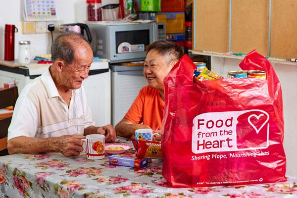 community food pack volunteer